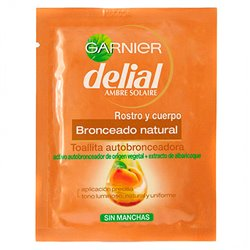 Self-bronzing towelettes Delial (1 ud)